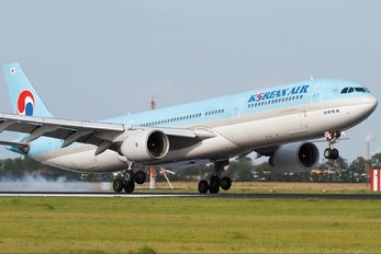 HL7585 - Korean Air Airbus A330-300