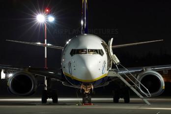 EI-DYP - Ryanair Boeing 737-800