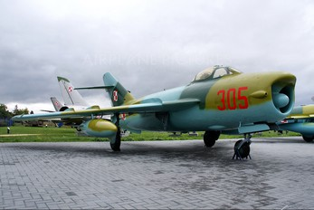 305 - Poland - Air Force PZL Lim-5P