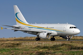 HB-IPP - Comlux Aviation Airbus A318 CJ