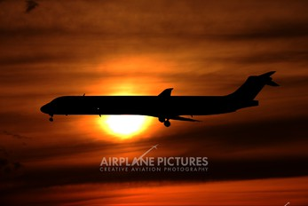 SE-DIK - SAS - Scandinavian Airlines McDonnell Douglas MD-82