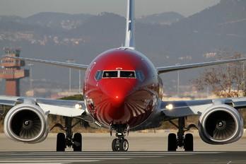 LN-DYR - Norwegian Air Shuttle Boeing 737-800