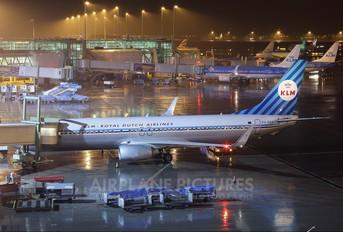 PH-BXA - KLM Boeing 737-800