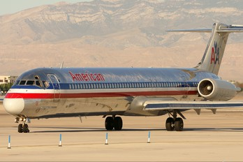 N497AA - American Airlines McDonnell Douglas MD-82