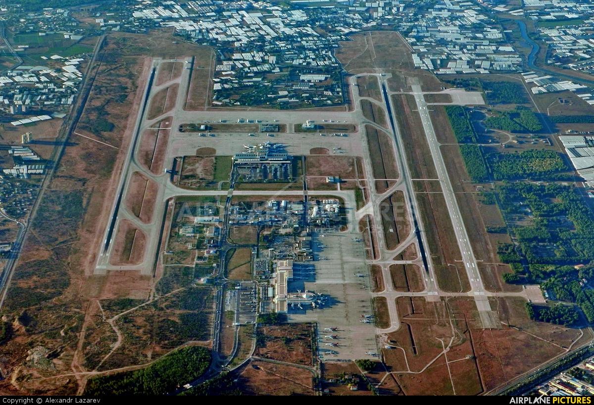 - Airport Overview - aircraft at Antalya