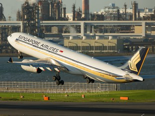 9V-STR - Singapore Airlines Airbus A330-300