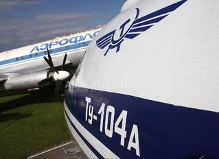 CCCP-42322 - Aeroflot Tupolev Tu-104