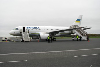 UR-ABA - Ukraine - Government Airbus A319