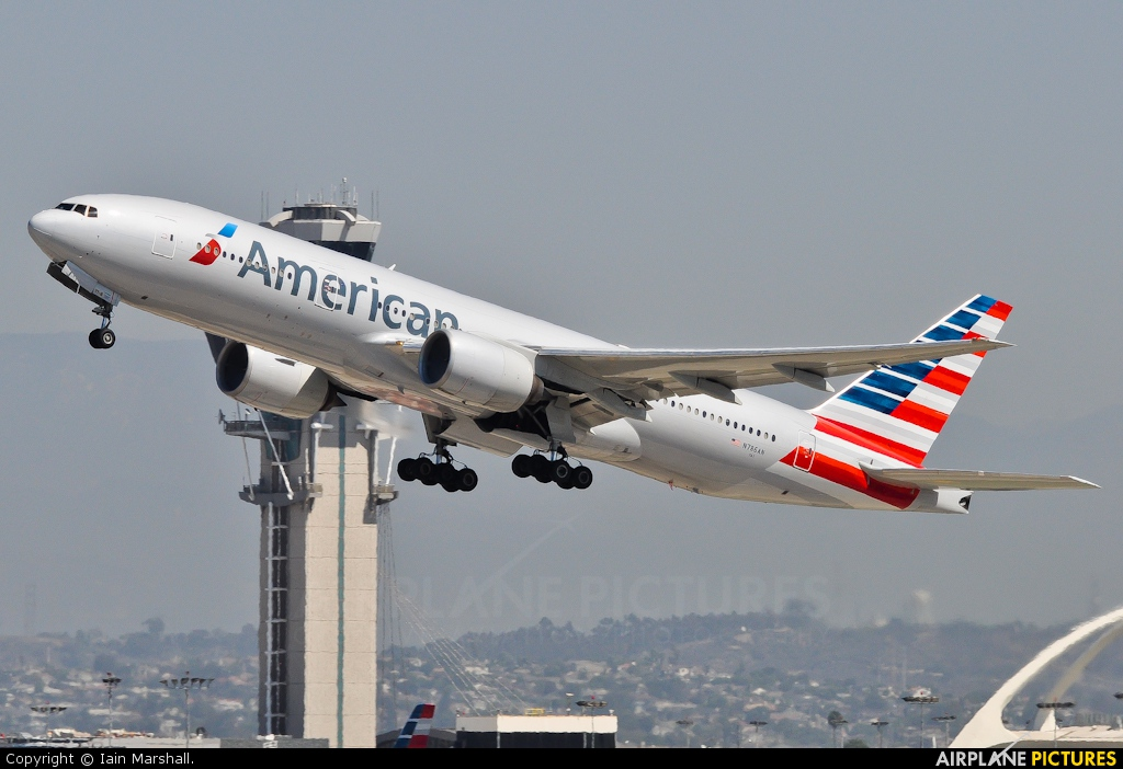 American Airlines N786AN aircraft at Los Angeles Intl