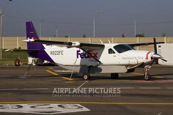N922FE - FedEx Feeder Cessna 208 Caravan
