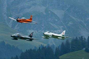 - - Switzerland - Air Force Hawker Hunter T.68