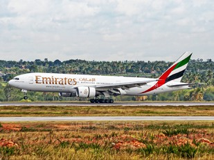 A6-EML - Emirates Airlines Boeing 777-200