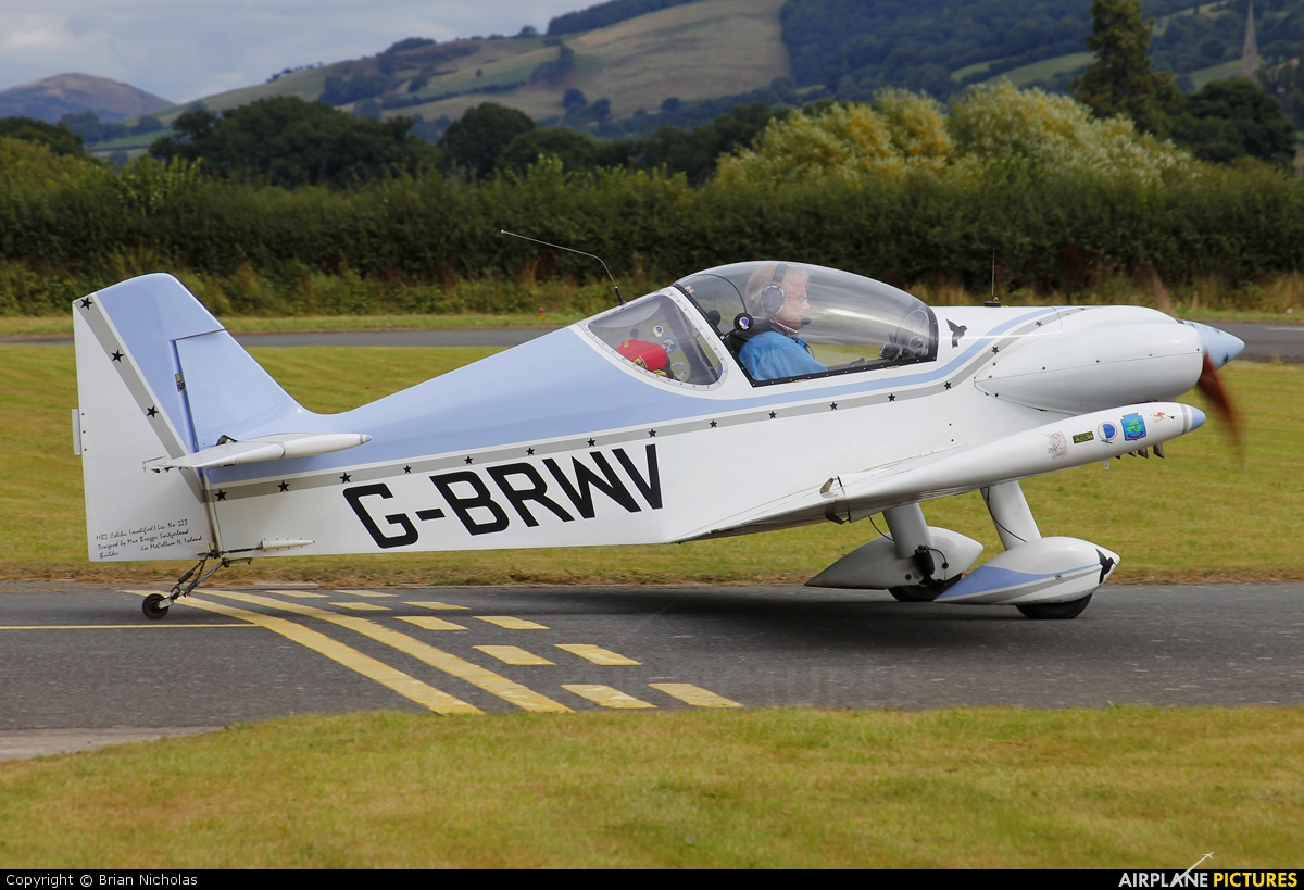 Private G-BRWV aircraft at Welshpool