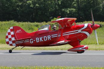 G-BKDR - Private Pitts S-1S Special