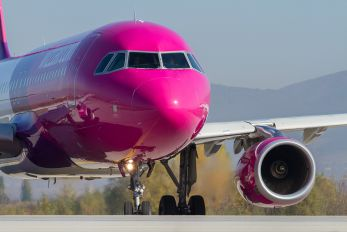 HA-LWJ - Wizz Air Airbus A320