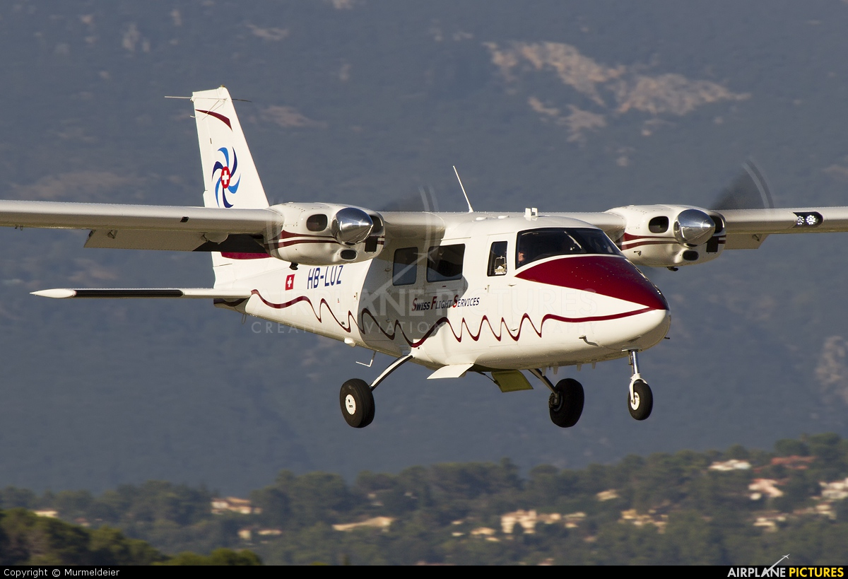 Swiss Flight Services HB-LUZ aircraft at Cannes - Mandelieu