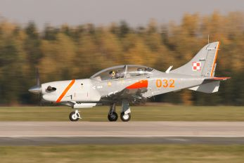 032 - Poland - Air Force PZL 130 Orlik TC-1 / 2