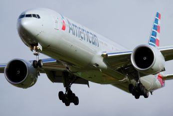 N718AN - American Airlines Boeing 777-300ER