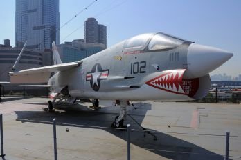 145550 - USA - Navy Vought F-8K Crusader