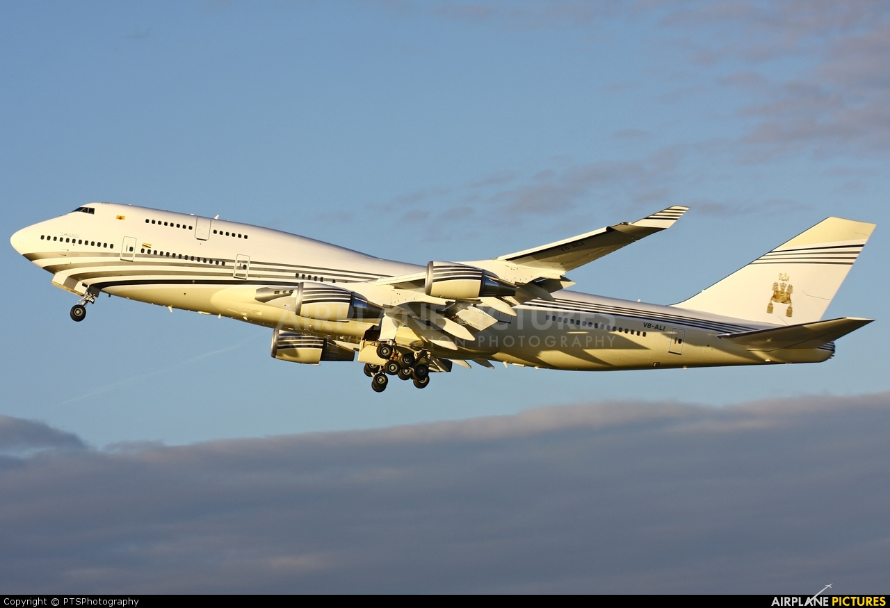 Heathrow Short Stay >> V8-ALI - Brunei Government Boeing 747-400 at London - Heathrow | Photo ID 331612 | Airplane ...
