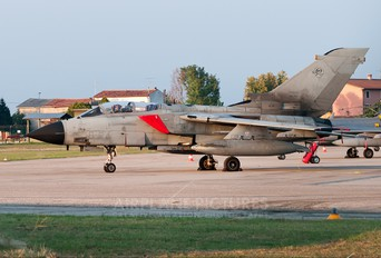 MM7064 - Italy - Air Force Panavia Tornado - IDS