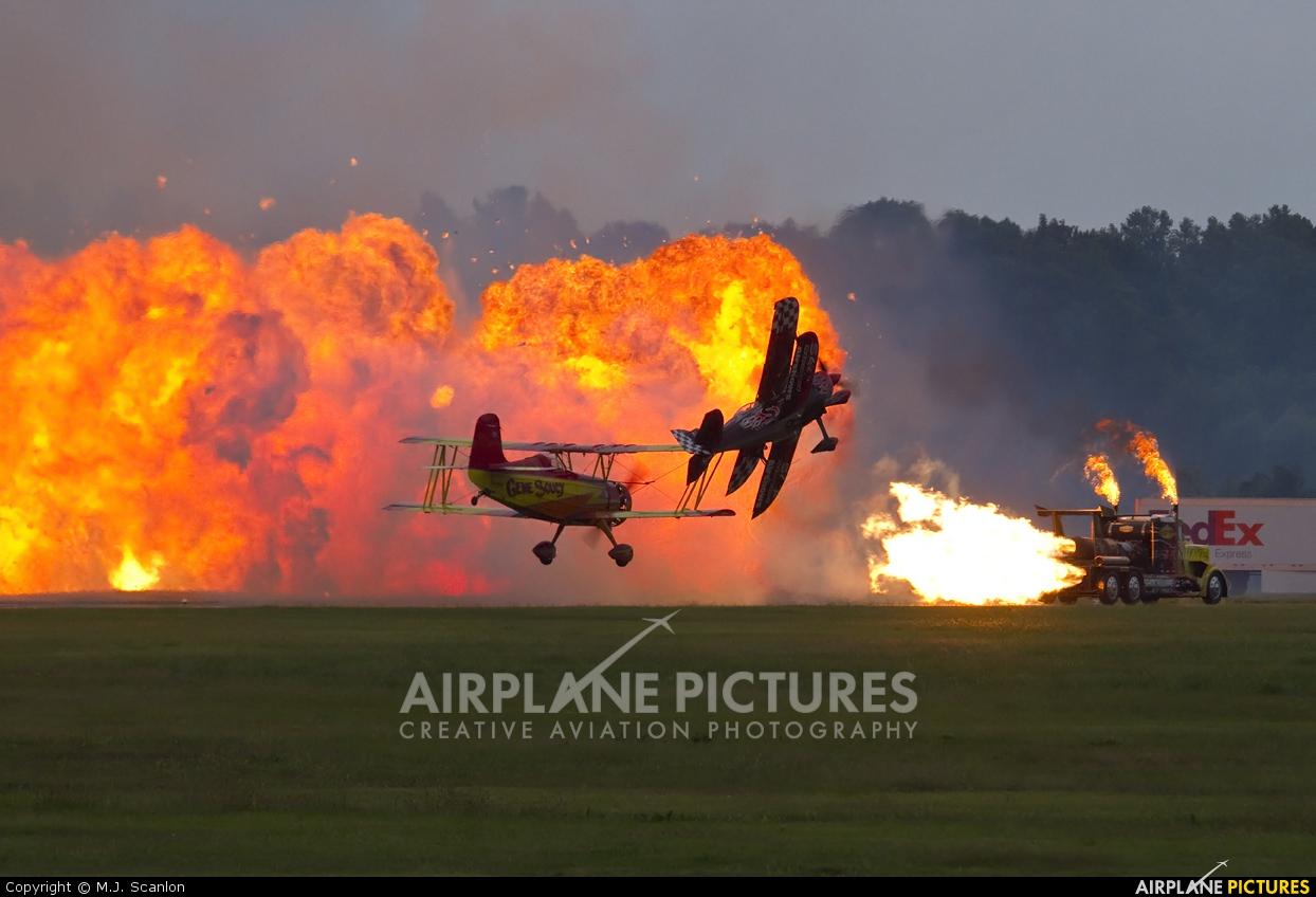 Skip Stewart Airshows N540SS aircraft at Millington Regional Jetport