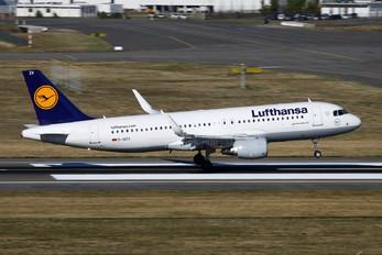 D-AIZV - Lufthansa Airbus A320