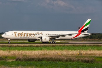 A6-ECT - Emirates Airlines Boeing 777-300ER