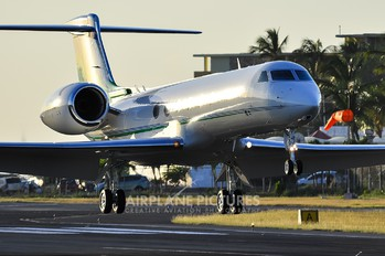 N50KC - Private Gulfstream Aerospace G-V, G-V-SP, G500, G550