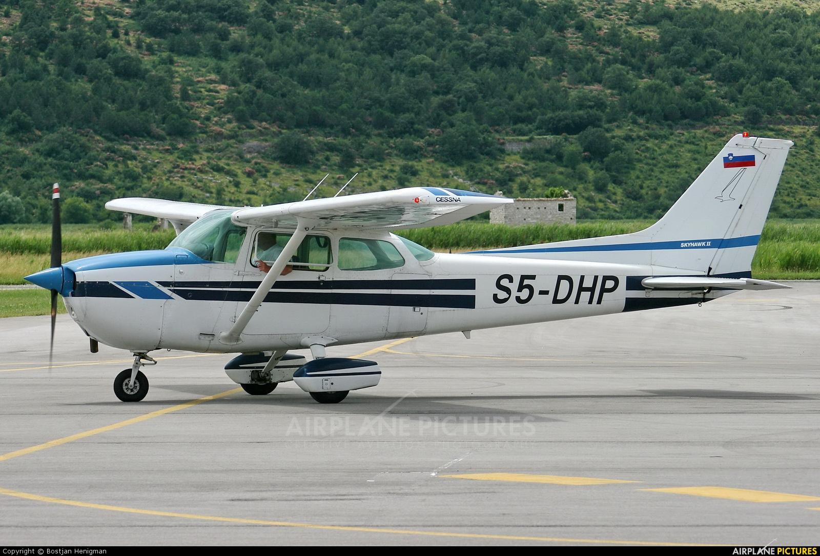 Private S5-DHP aircraft at Portoroz