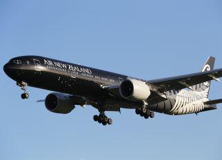 ZK-OKQ - Air New Zealand Boeing 777-300ER