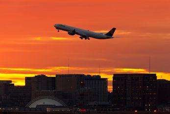 D-AIHF - Lufthansa Airbus A340-600