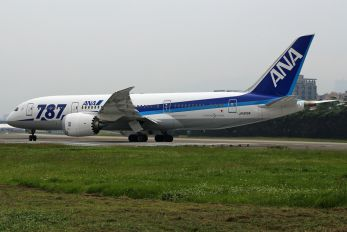 JA815A - ANA - All Nippon Airways Boeing 787-8 Dreamliner