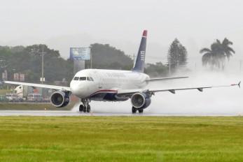 N712US - US Airways Airbus A319