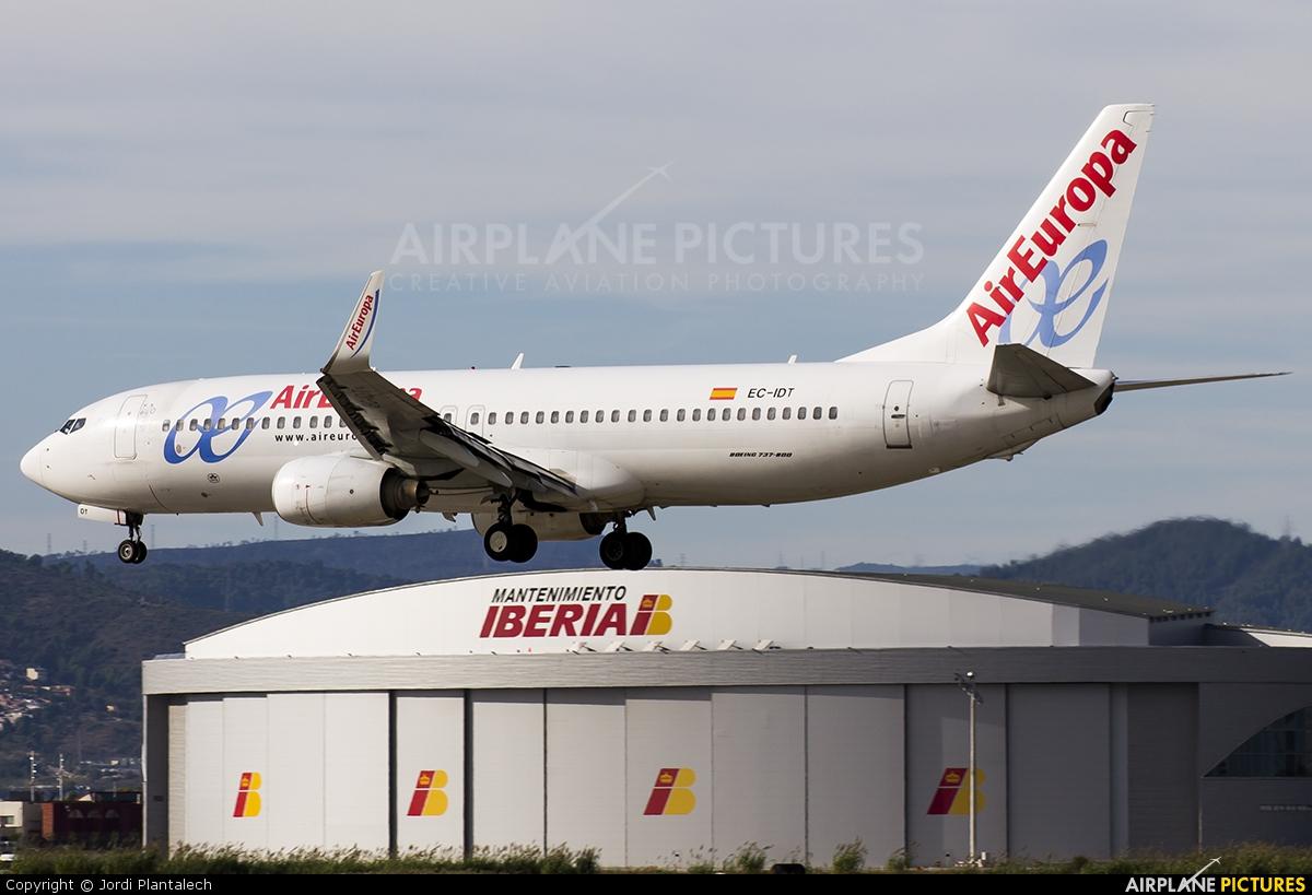 Air Europa EC-IDT aircraft at Barcelona - El Prat