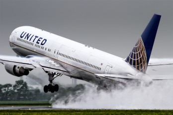 N647UA - United Airlines Boeing 767-300ER