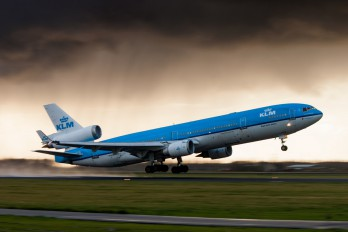 PH-KCD - KLM McDonnell Douglas MD-11