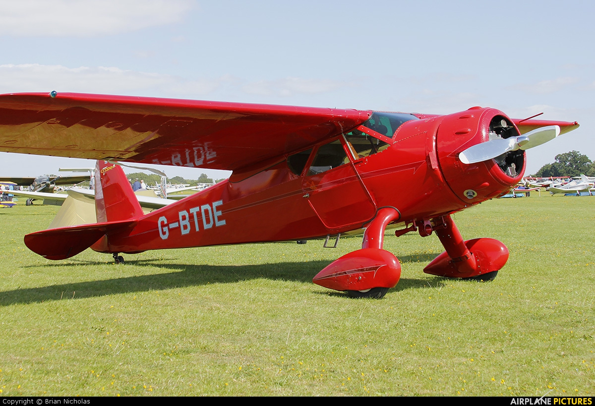 Private G-BTDE aircraft at Northampton / Sywell