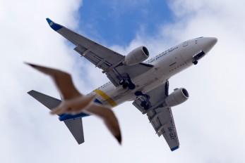 UR-GAT - Ukraine International Airlines Boeing 737-500