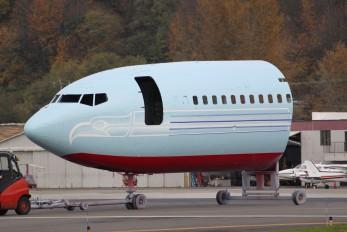 - - Unknown Boeing 727-200
