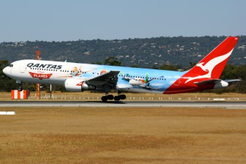 VH-OGG - QANTAS Boeing 767-300ER