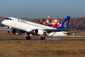 P4-KCD - Air Astana Embraer ERJ-190 (190-100)