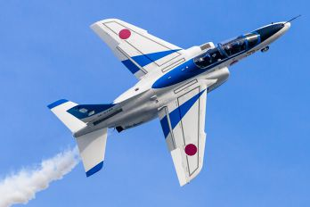 46-5728 - Japan - ASDF: Blue Impulse Kawasaki T-4