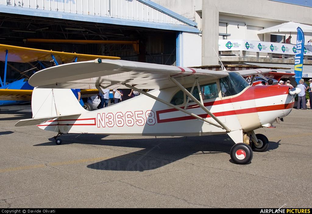 Private N36658 aircraft at Reggio Emilia