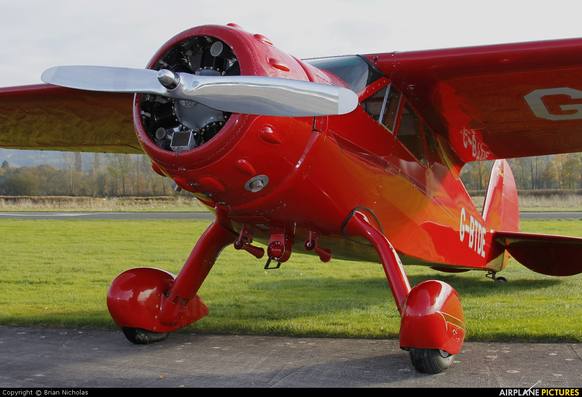 Private G-BTDE aircraft at Welshpool