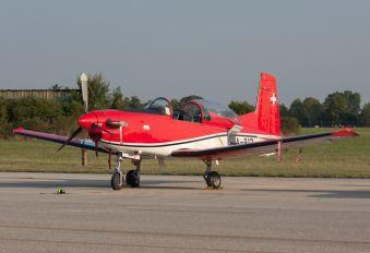 A-917 - Switzerland - Air Force: PC-7 Team Pilatus PC-7 I & II