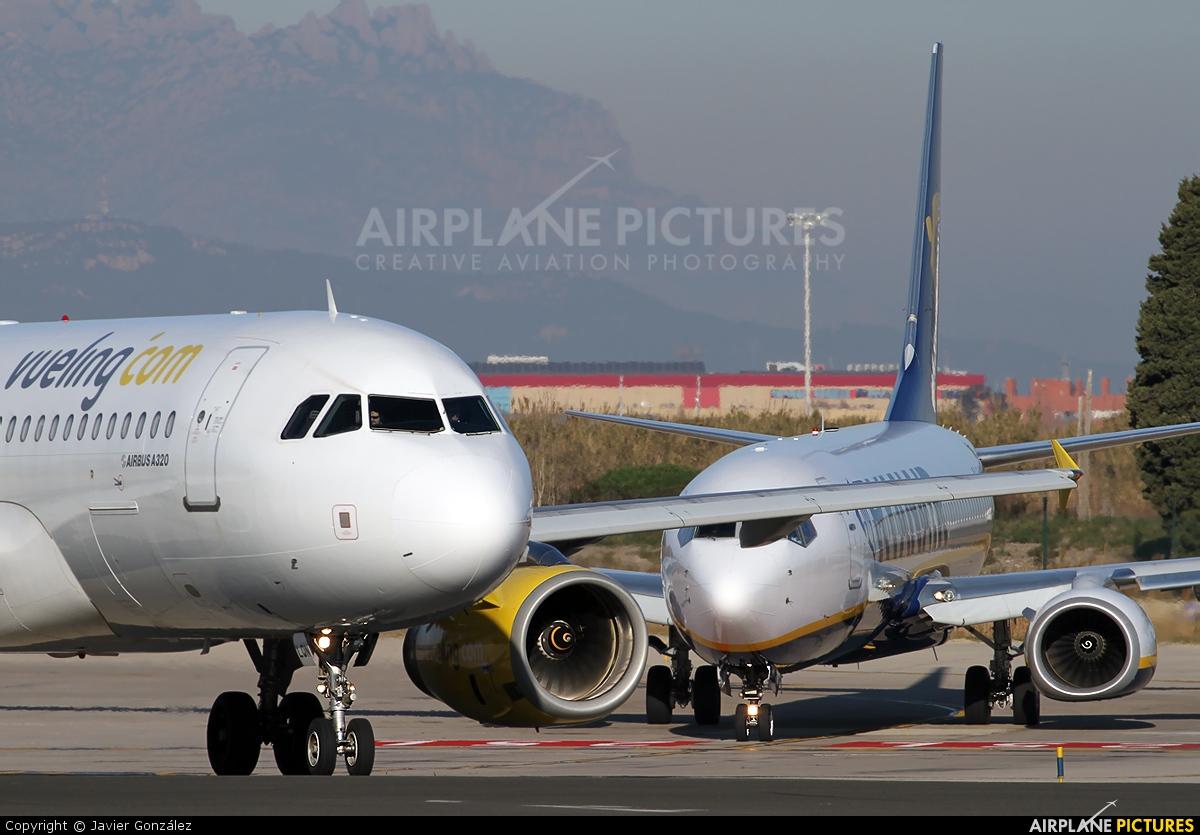 Vueling Airlines EC-LQN aircraft at Barcelona - El Prat