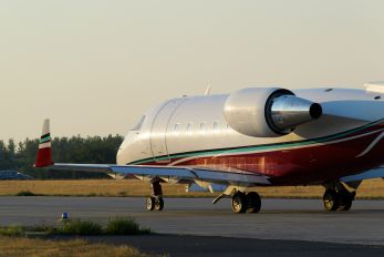 VT-DBG - Private Canadair CL-600 Challenger 604