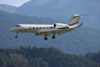 A6-AZH - Private Gulfstream Aerospace G-IV,  G-IV-SP, G-IV-X, G300, G350, G400, G450