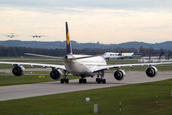 D-AIHY - Lufthansa Airbus A340-600